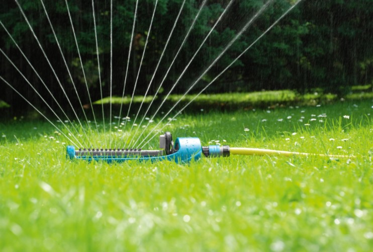 How Does Oscillating Sprinkler Work?